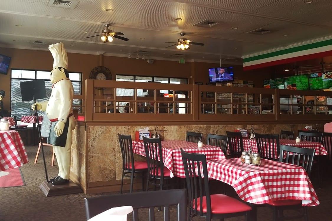 Classic Pizzeria Restaurant Design