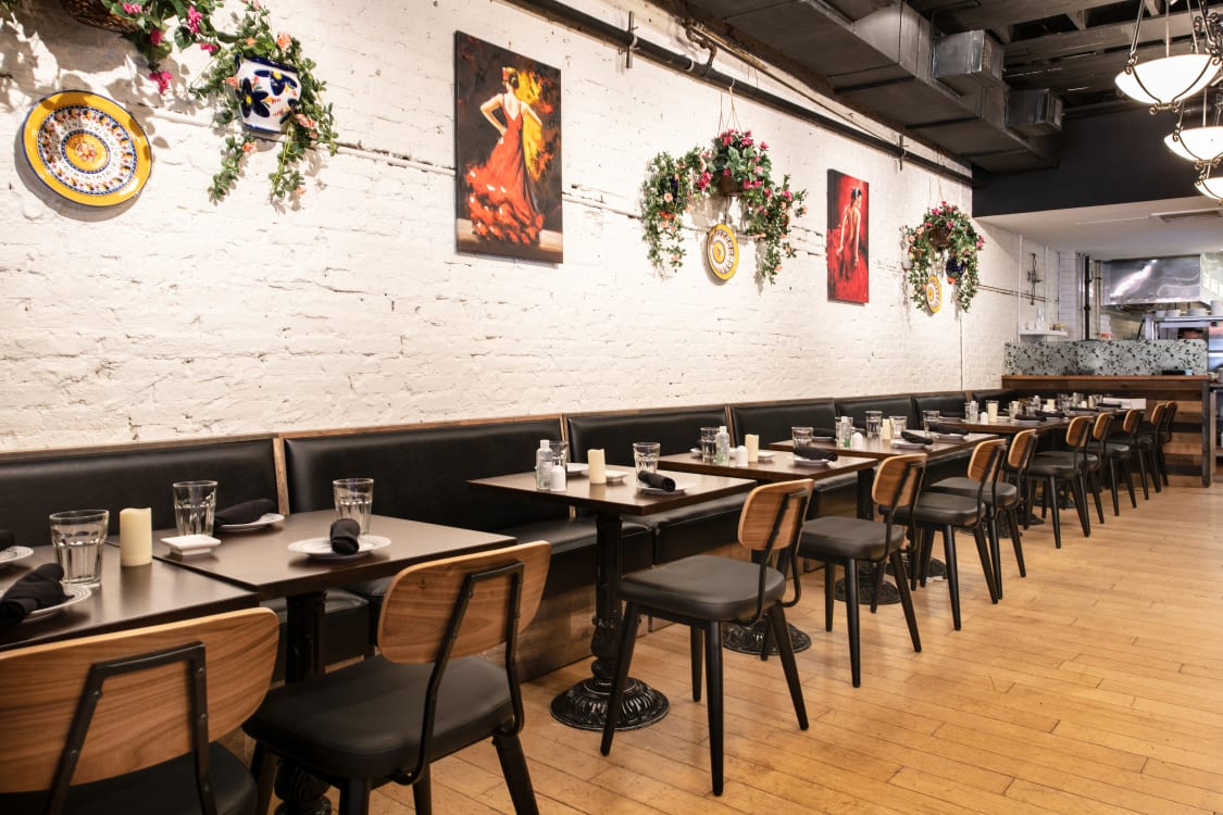 Restaurant Furniture - Chairs, tables and booths