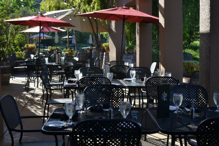 restaurant patio design